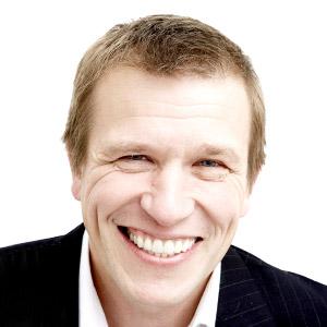 Dr. Ian Buckle
