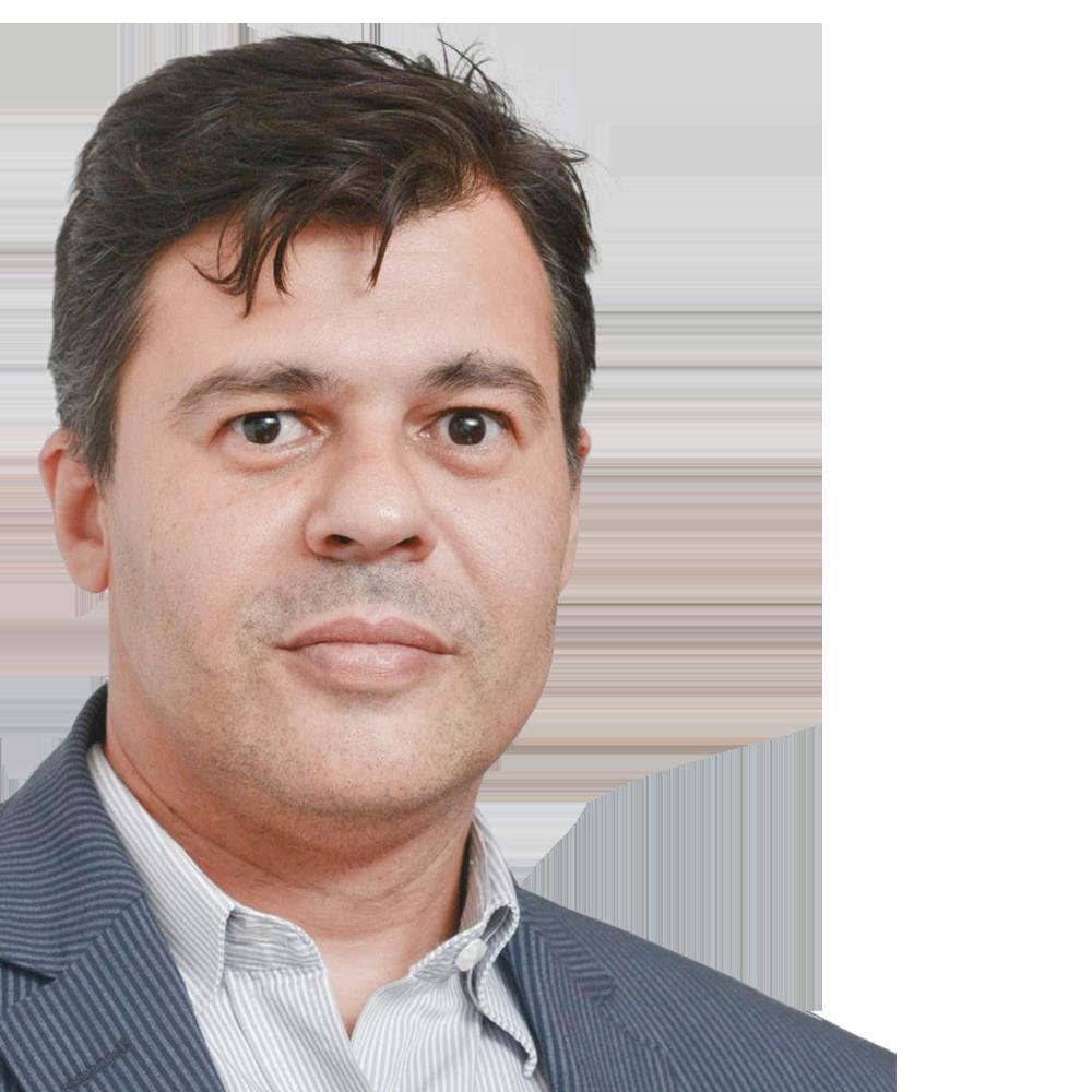 Dr. Robert Carvalho da Silva Oral Surgeon