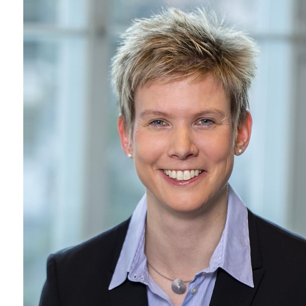 Prof. Dr. Katrin Bekes MME