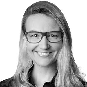 Dr. Julia-Gabriela Wittneben