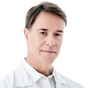 Dr. Carlo Araújo