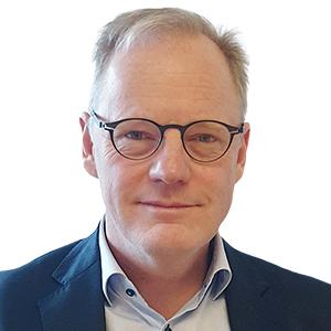 Dr. Caspar Wohlfahrt PhD, MS, DDS, Specialist in Periodontology